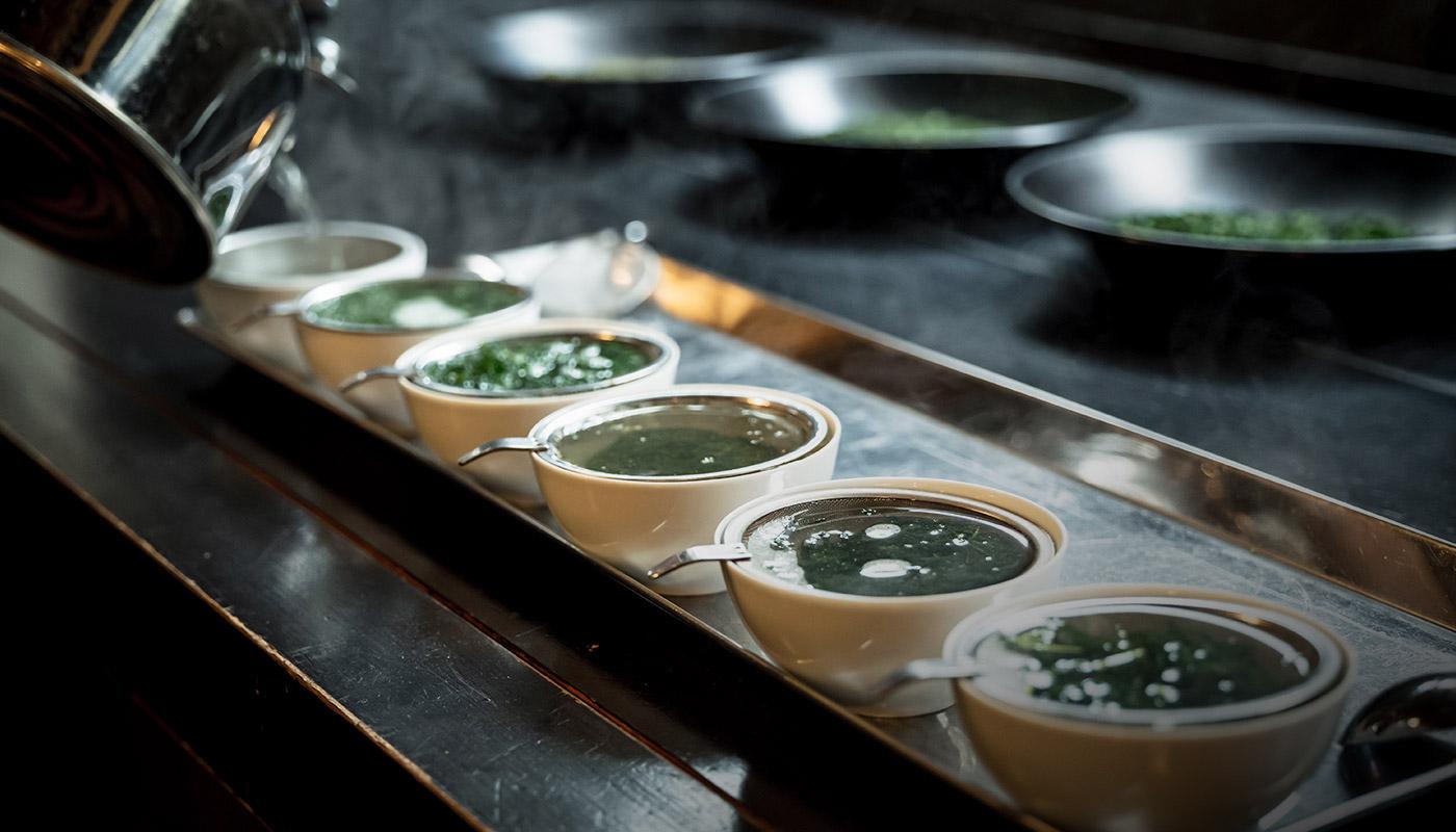 甘味や旨味の中に「苦渋味」を感じるお茶本来の味わいを楽しんでほしい